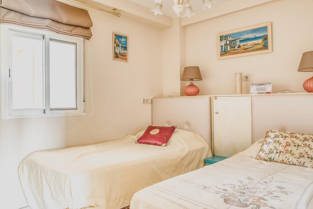 piekny-apartament-z-widokiem-na-jezioro-i-morze-w-calpe-4-24129