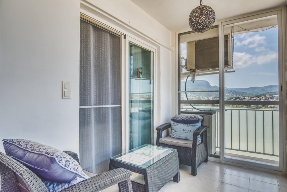 piekny-apartament-z-widokiem-na-jezioro-i-morze-w-calpe-4-24131