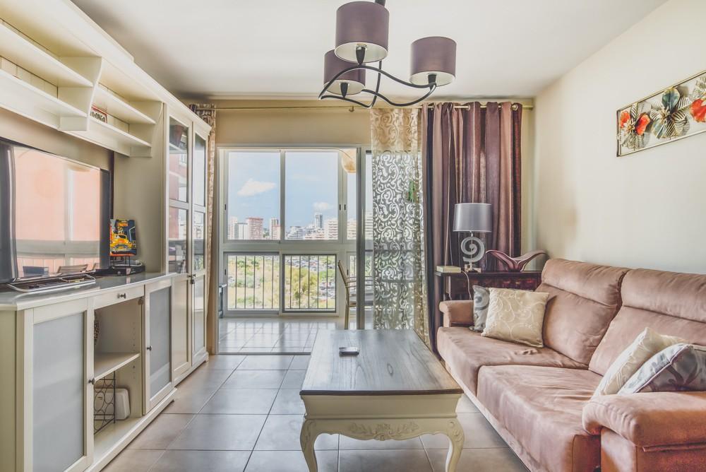 piekny-apartament-z-widokiem-na-jezioro-i-morze-w-calpe-4-24135